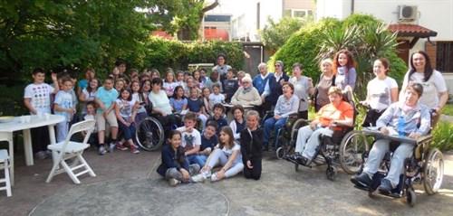 I bambini della prima comunione in visita al Piccolo Rifugio